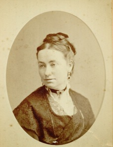 Photograph of Annie Corsina Fox George, circa 1880-1885